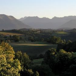 Dernières lueurs sur le Piémont Béarnais - Haut de Bosdarros · © stockli