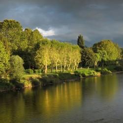 Prémices d'orage sur le Gave de Pau  - Nay · © stockli