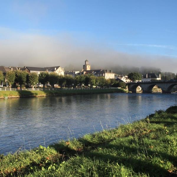 Brumes estivale sur la Bastide - Nay · © stockli
