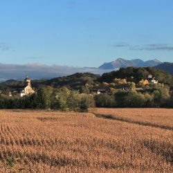 L'église et le château de Coarraze · © stockli