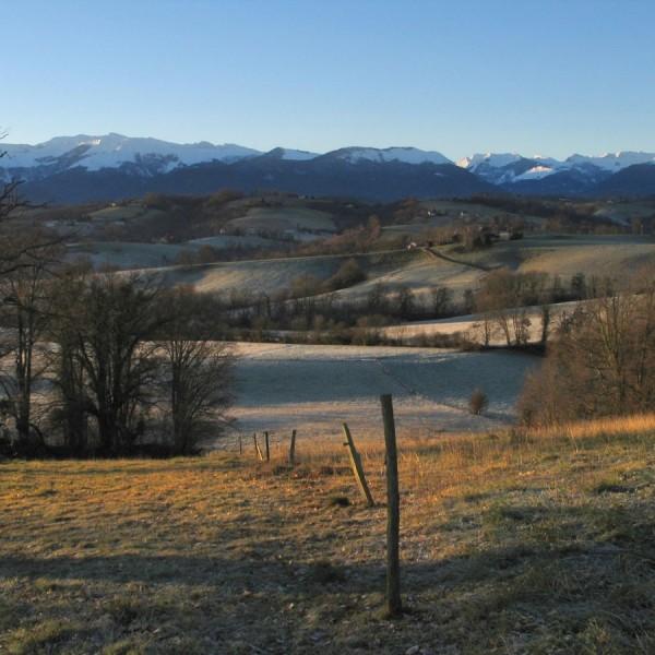 Lever de soleil sur le Piémont - Haut de Bosdarros · © stockli