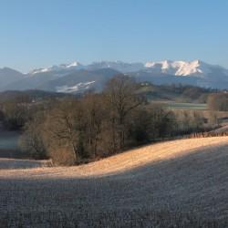 L'hiver resplendissant sur l'Arriucourt - Asson · © stockli