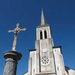 Eglise Saint Jean-Baptiste - Beuste · © stockli